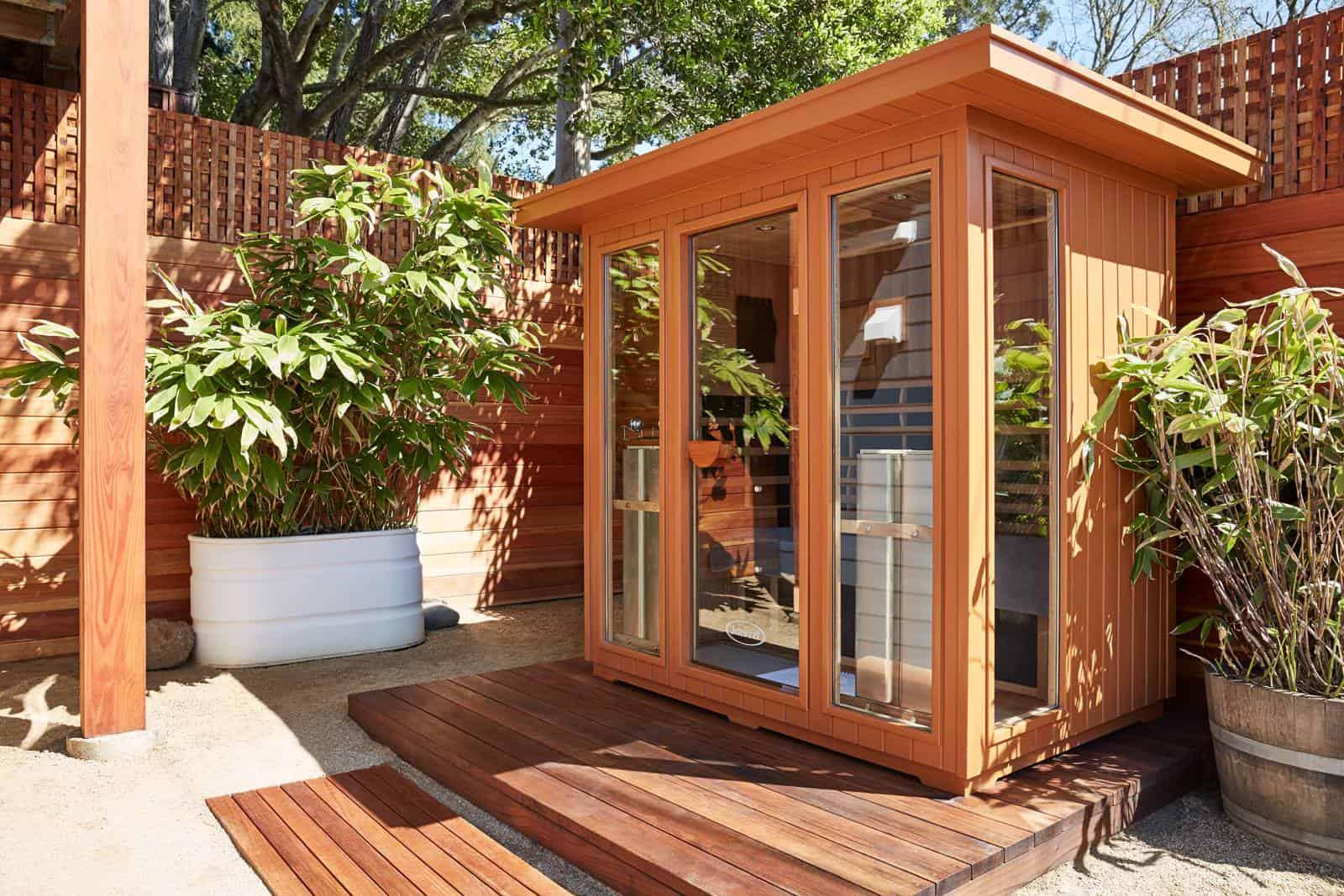 Jacuzzi-Infrared-Sauna-Outdoor-Installation3